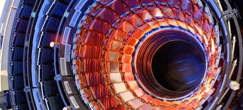 Illustration for article titled El LHC descubre una nueva partícula distinta a la materia conocida