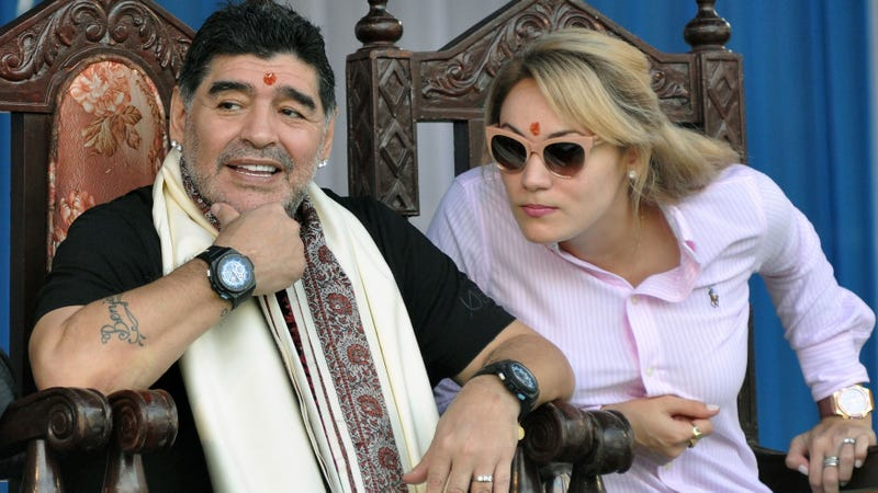 Illustration for article titled Diego Maradona Gets His Own Weird Statue In India