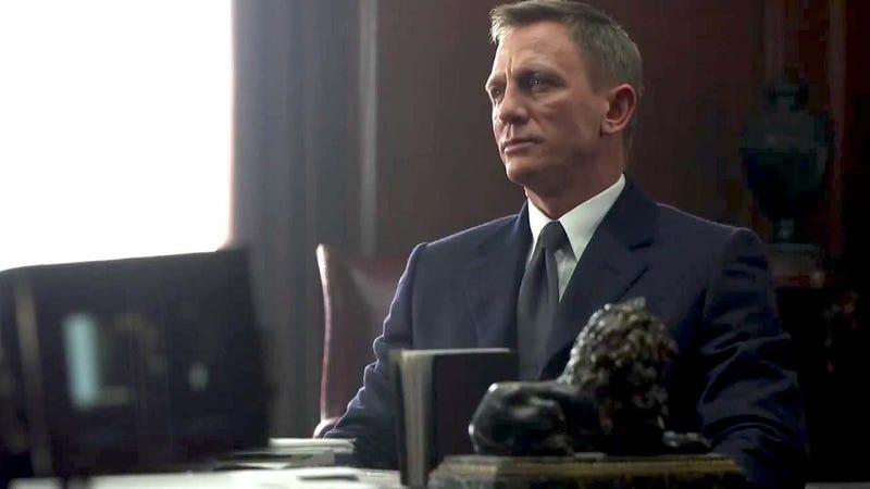 Illustration for article titled A Neurosurgeon Critiques Latest James Bond Film'sGrasp of Brain Surgery