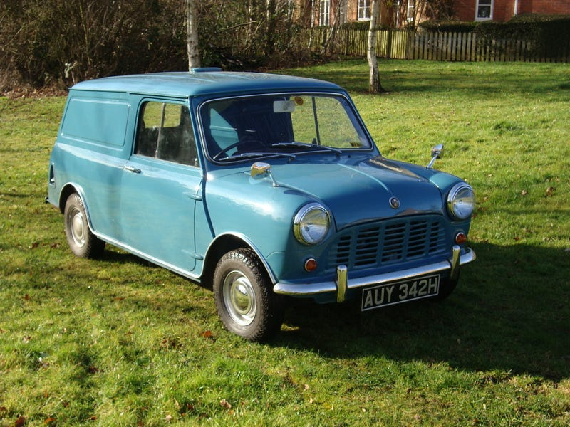 Illustration for article titled Are We Posting Mini Vans?