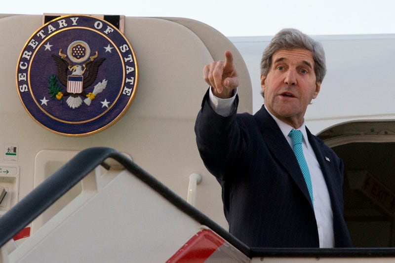 Illustration for article titled John Kerry's Plane Keeps Breaking Down