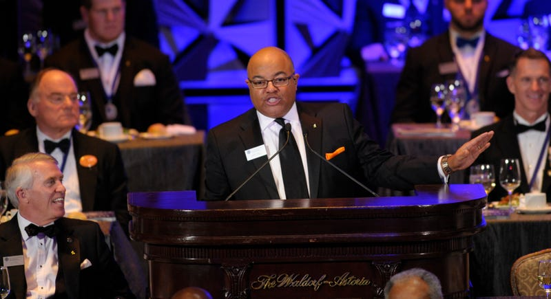 Illustration for article titled Report: Mike Tirico To Leave ESPN For NBC