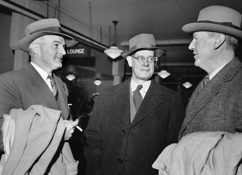Norman Chandler on the far left with Assistant Editor of the Washington Evening Star B.M. Mckelway (middle) and Robert Mclean, President of the Associated Press before departure from Oakland to Honolulu on Feb. 2, 1946 (Associated Press)