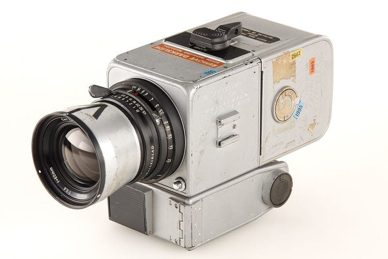 Illustration for article titled Camera used on moon landing sold for $758,489