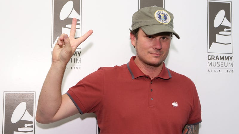 Illustration for article titled Tom DeLonge's UFO evangelism to continue with new sci-fi series for TBS
