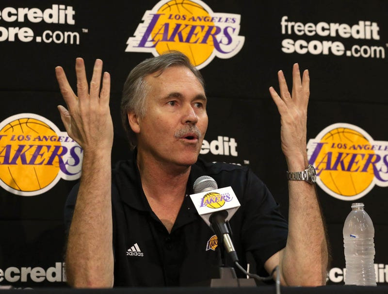 Illustration for article titled Mike D'Antoni Starts 'Phil' Chant During Introductory Press Conference