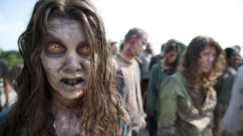 Illustration for article titled New photo confirms that The Walking Dead will still have zombies in it