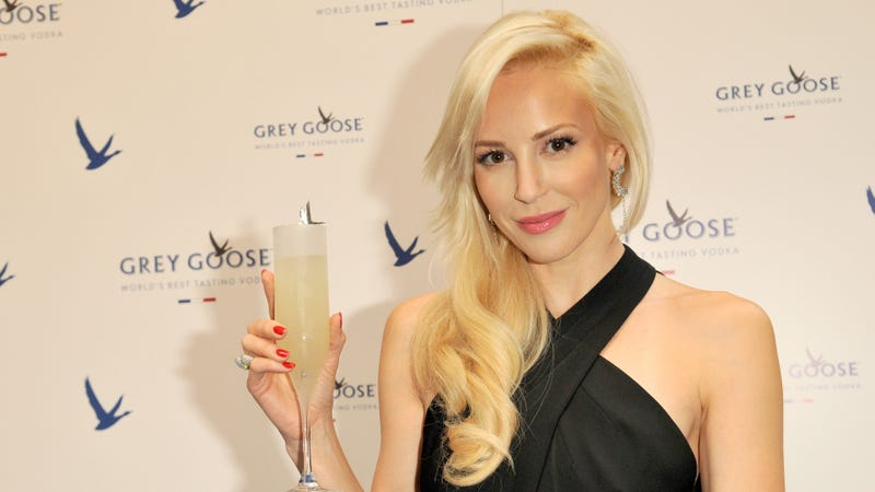 Louise Linton deigns to apologize for offending common folk with her elegance