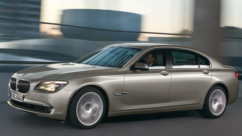 2009 BMW 7Series Now With 400 HP TwinTurbo V8