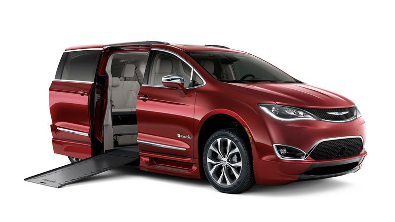 Illustration for article titled Here's What The New Wheelchair-Accessible Chrysler Pacifica Gets Right