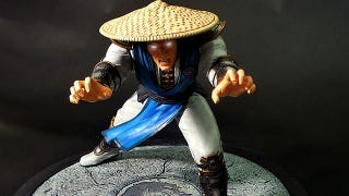 Illustration for article titled This Raiden Statue Wins. Flawless Victory. Toytality.