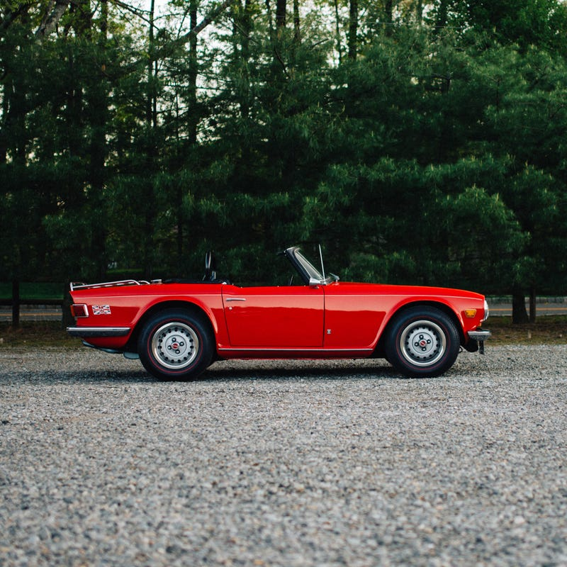 Illustration for article titled Here's A Delicious Triumph TR-6