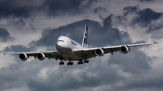 Illustration for article titled Airbus Refuses To Ground A380s Despite Cracks In Their Wings