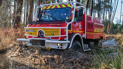 The Top Speed Of A Mercedes Unimog's 'Super Crawler' Gear Makes Even