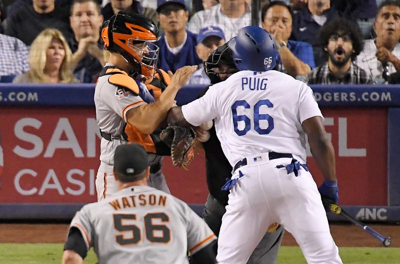 Illustration for article titled Yasiel Puig Is Fighting The Giants Again