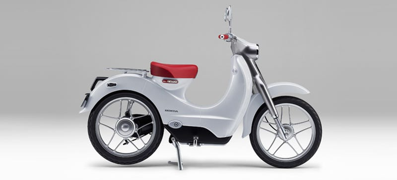 Illustration for article titled Honda's Electric Retro Scooter Could Be A Cute Cheap Transport Rival To Vespa
