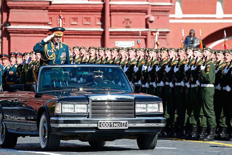 Illustration for article titled Ma van a győzelem napja, Putyin Szevasztopolban parádézik