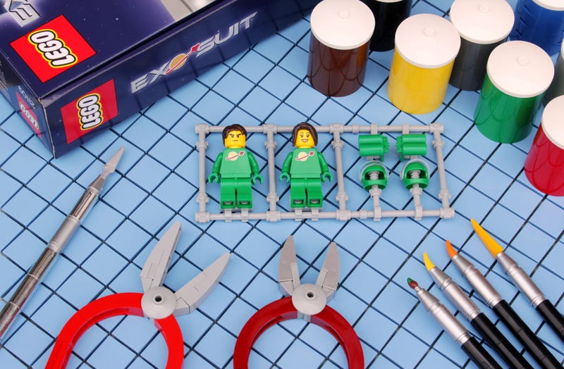 Illustration for article titled Figure painters will appreciate this Lego build