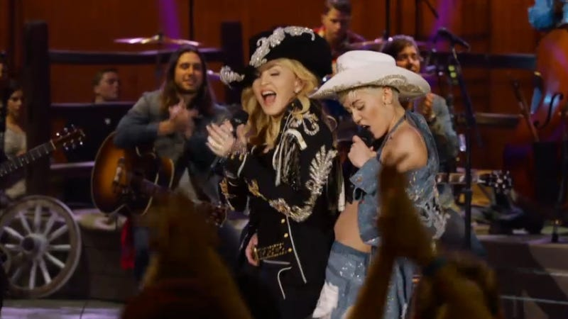 Illustration for article titled Madonna's Cameo on Miley's 'Unplugged' Was Beyond Uncomfortable