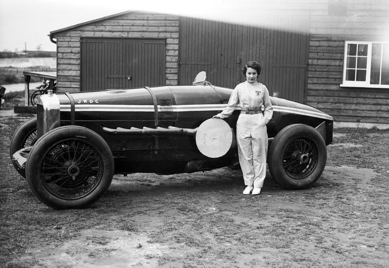 Illustration for article titled The Lady Racing Drivers of Brooklands