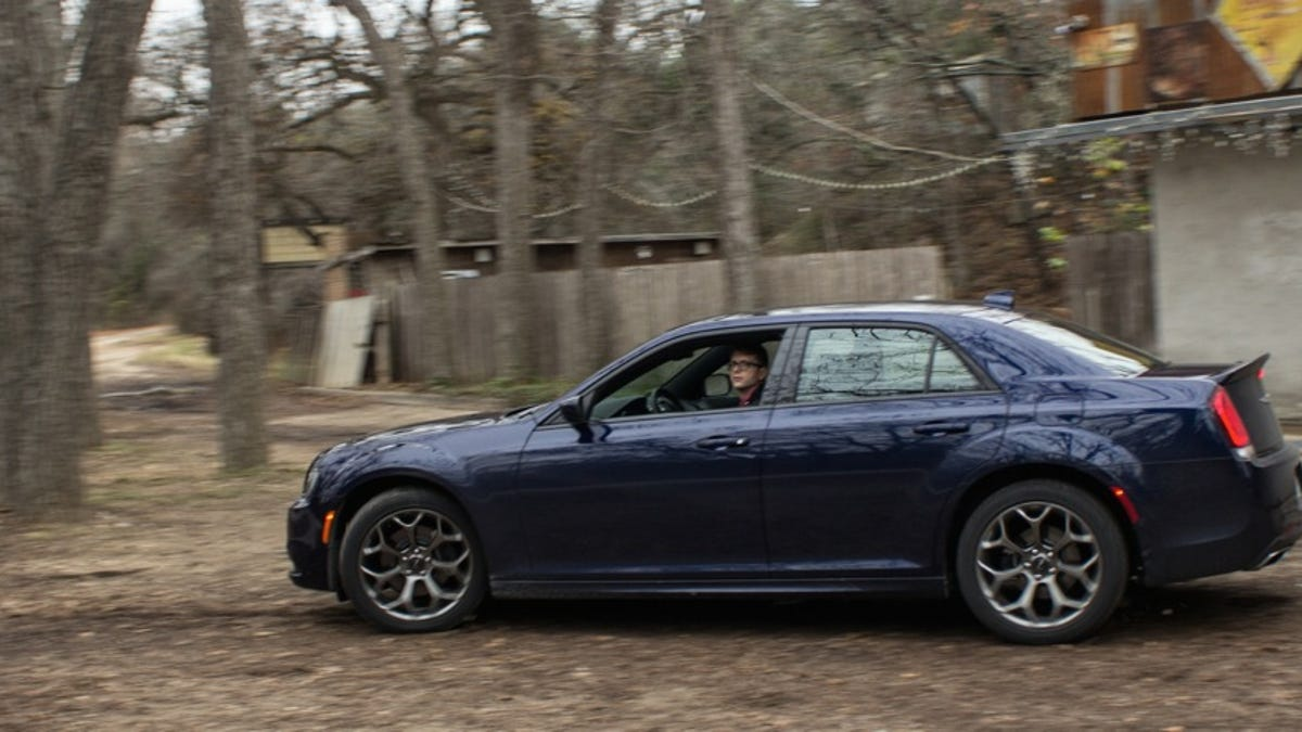 The 2015 Chrysler 300s Is The Perfect Car For The Right Kind Of Hitman