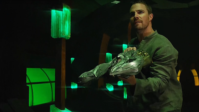 the dc cw crossover propels arrow into one of its best episodes ever