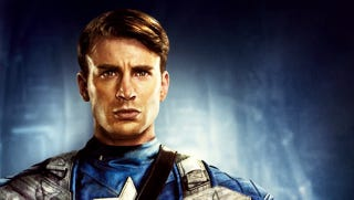 Illustration for article titled Check out Captain America's new uniform from The Winter Soldier!