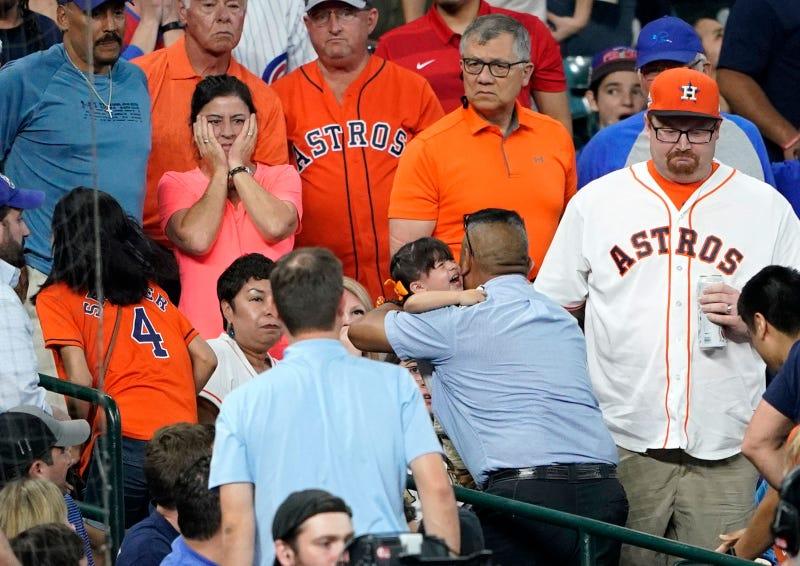 Illustration für den Artikel mit dem Titel Der 2-jährige, der von einem faulen Ball bei einem Astros-Spiel getroffen wurde, erlitt einen Schädelbruch