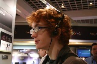 Illustration for article titled Ears On Sony's PFR-V1 Space Headphones