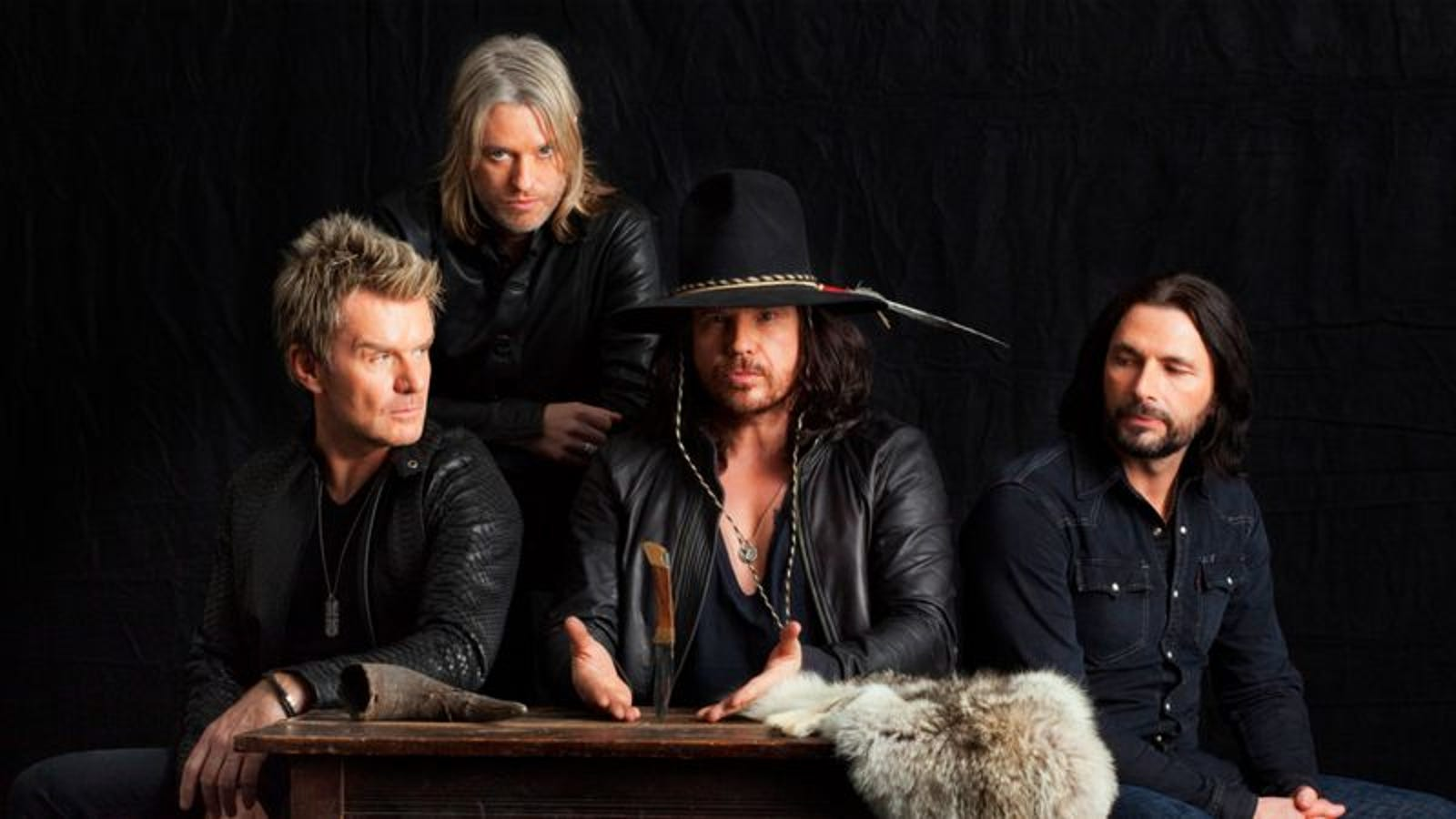 The Cult's Ian Astbury talks about songs, ignoring the