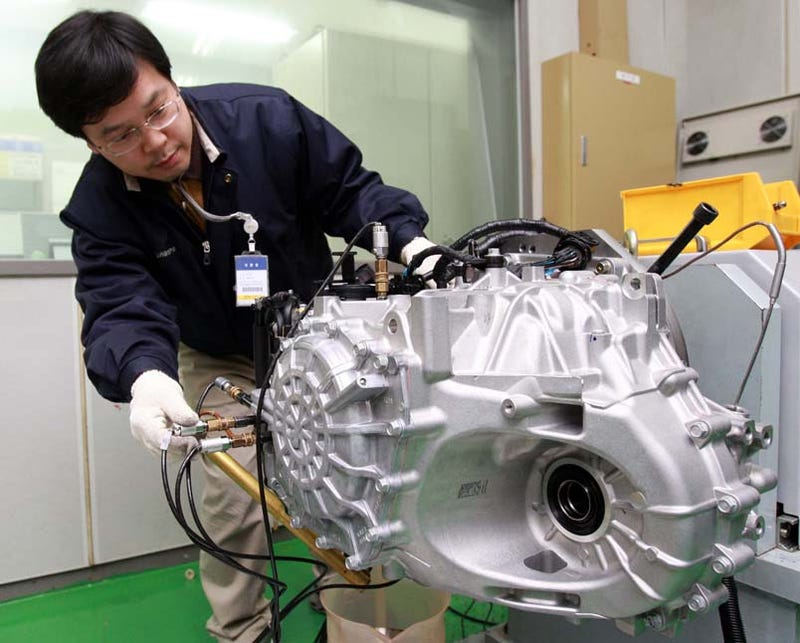 Illustration for article titled Hyundai's New In-House Six Speed Auto Transmission Hits Azera First