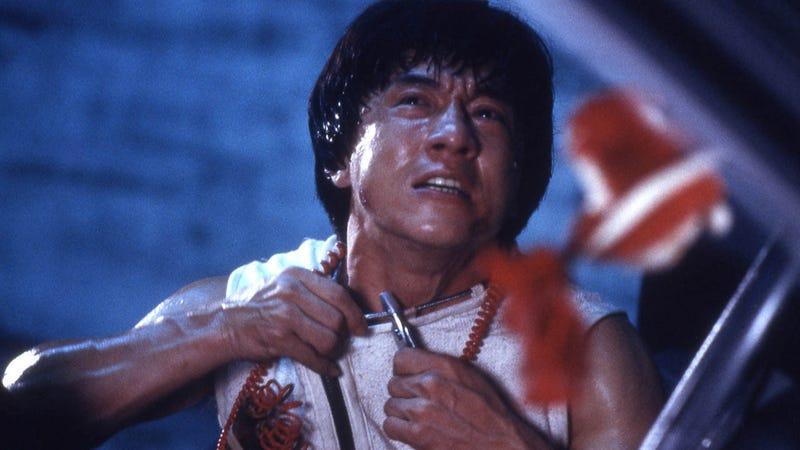 Illustration for article titled Todos los huesos que se ha roto Jackie Chan durante el rodaje de sus películas