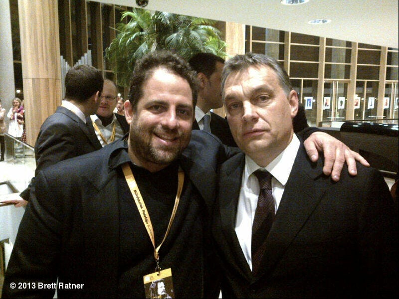 Illustration for article titled Amiről lemaradtunk: Orbán Viktor Hollywood nagyágyújával kokettál!
