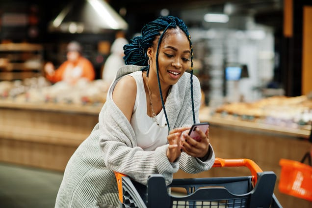 10 Common Mistakes We Make Grocery Shopping, and How to Fix Them