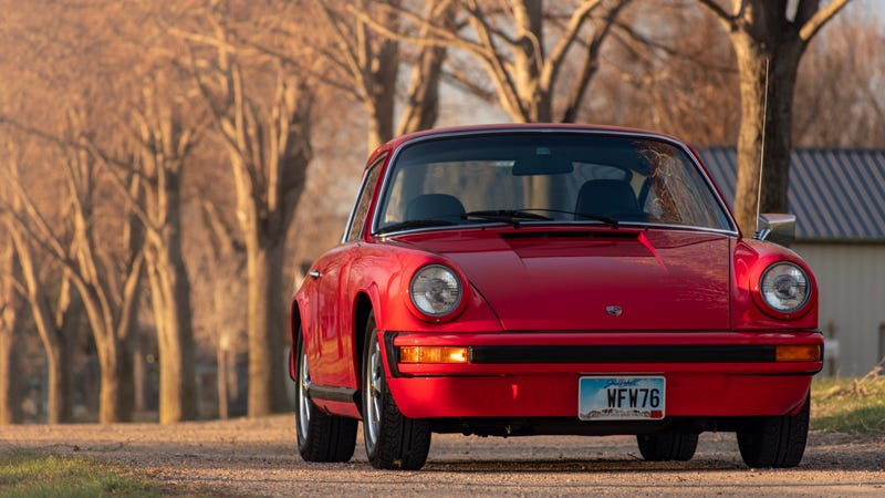 Illustration for article titled Your Ridiculously Awesome Porsche 912E Wallpapers Are Here