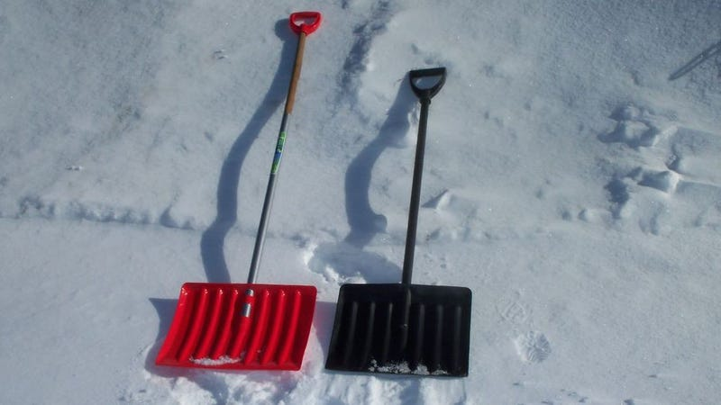 Illustration for article titled Make Your Snow Shovel Easier on Your Back by Adding a Dowel
