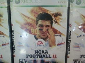 Illustration for article titled Alabama GameStops Spoofing NCAA 11 Tebow Cover?