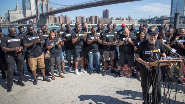 Frank Serpico Joins Current And Former NYPD Officers At Pro-Kaepernick Rally