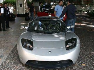 Illustration for article titled Tesla Roadster Spotted in Santa Monica