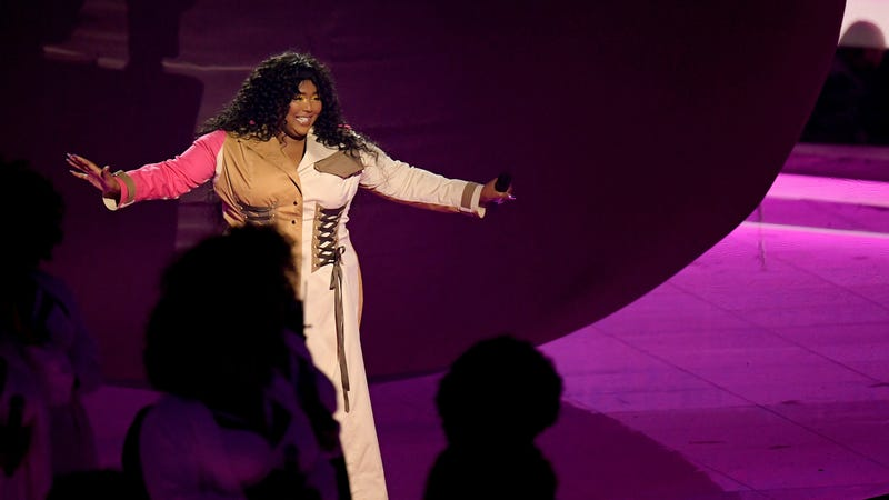 Lizzo performs onstage during the 2019 MTV Video Music Awards on August 26, 2019 in Newark, New Jersey.