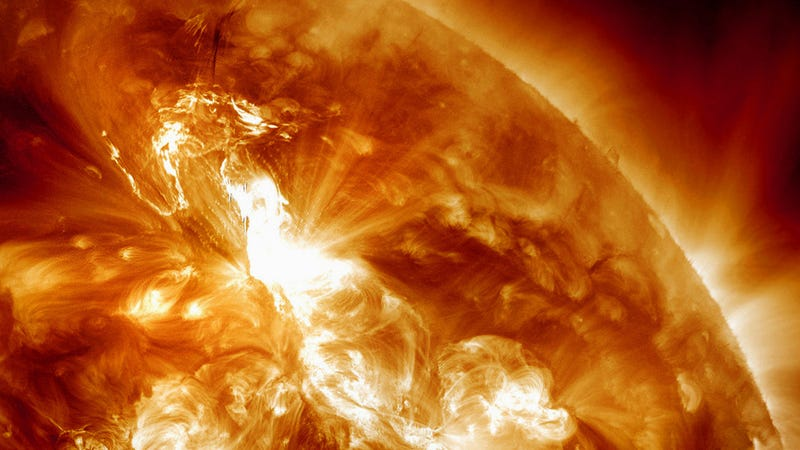 Illustration for article titled Scientists say it's possible to blow up the Sun. On purpose.