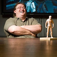 Illustration for article titled Gabe Newell's DICE Keynote: Left 4 Dead Sales, TF2 Comic Books