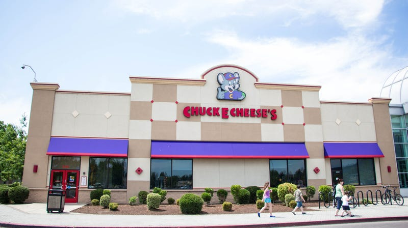 Illustration for article titled Last Call:Explaining the allure of a Chuck E.Cheese's convention for adults