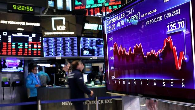 Financial Experts Say Stock Market Constantly Plunging, Reaching Record Highs Leading Indicator Of Healthy Economy