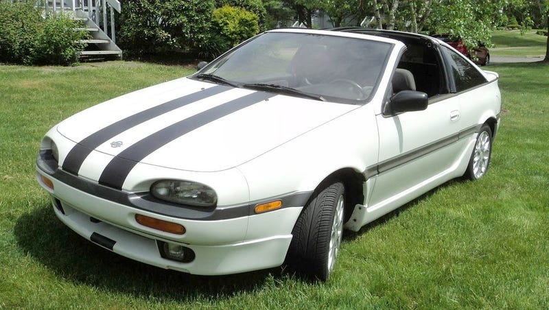 Illustration for article titled At $4,400, Could This 1992 Nissan NX2000 Make You Say Y-Not 2K?