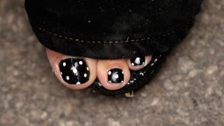 Illustration for article titled Guess Whose Polka-Dot Pedicure This Is