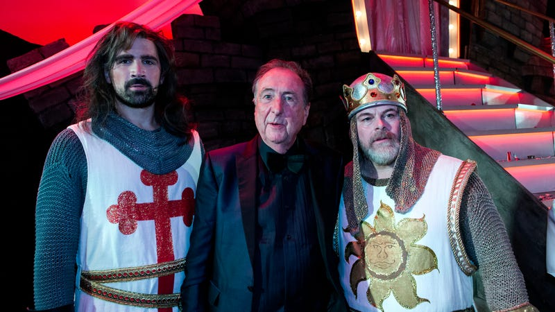 Illustration for article titled Eric Idle's turning Spamalot into a movie, Ni