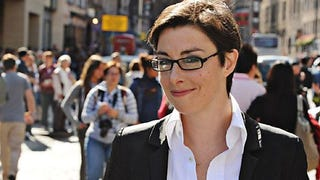 Illustration for article titled Sue Perkins Run Off Twitter Due To Top Gear Death Threats