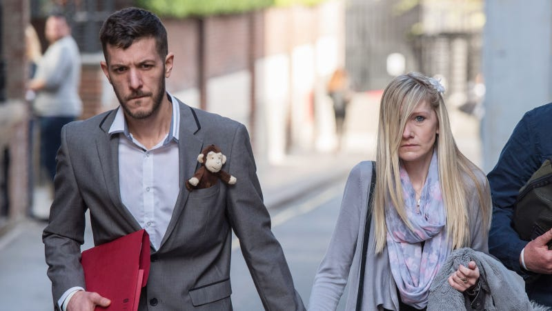 Charlie Gard: Pope Francis offers parents support