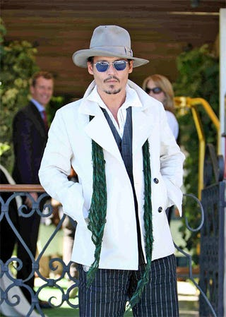 Illustration for article titled Johnny Depp Takes Fashion Cues From Idol Hunter S. Thompson, Mary Kate Olsen